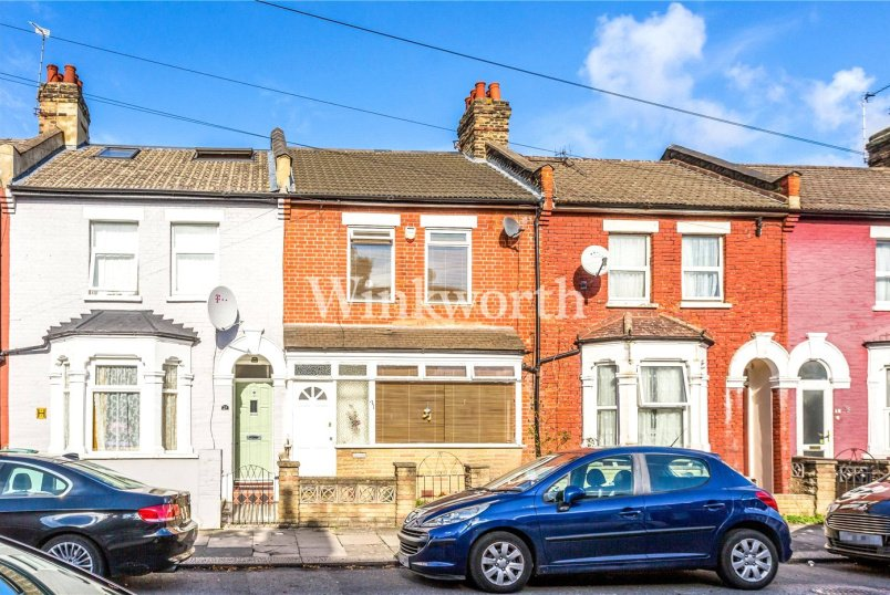 House for sale in Harringay - Seymour Avenue, London, N17