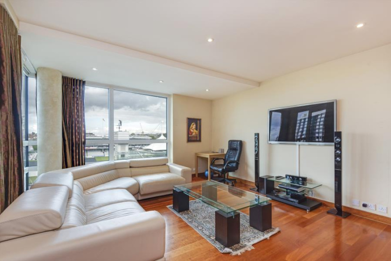 Apartment for sale in St Johns Wood - PAVILION APARTMENTS, ST JOHN'S WOOD ROAD, NW8 7HF