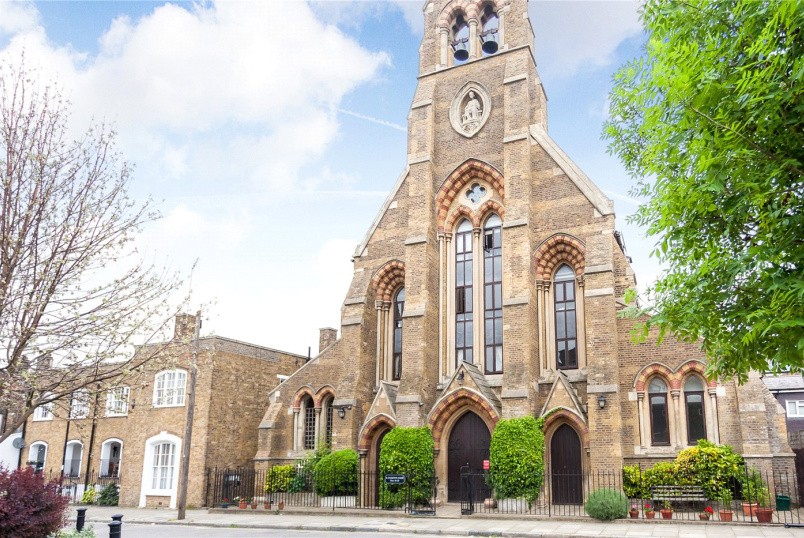 Flat/apartment for sale in Islington - St. Clement's Court, 60 Arundel Square, London, N7