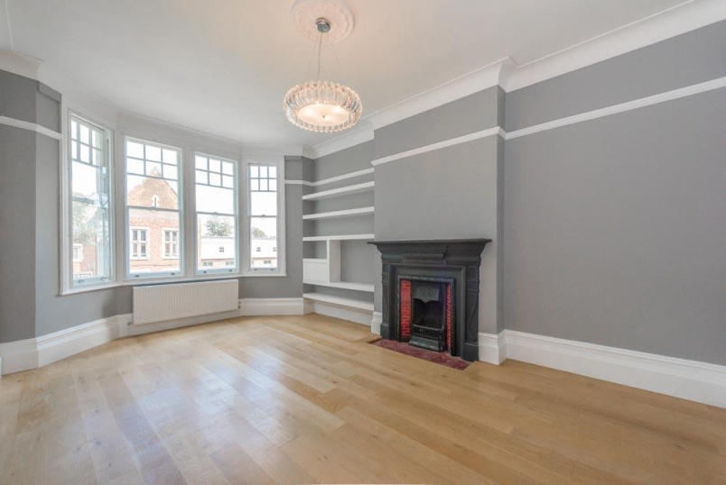 Flat/apartment to rent in Kensal Rise & Queen's Park - Brondesbury Park Mansions, 132 Salusbury Road, London, NW6