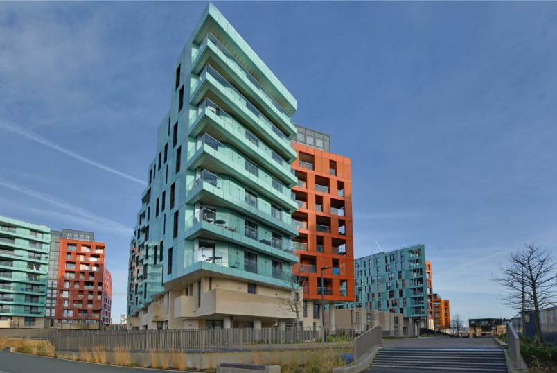 Flat/apartment for sale in Greenwich - Gordian Apartments, 34 Cable Walk, Greenwich, SE10