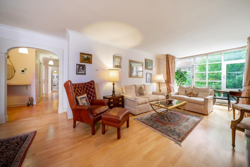 Apartment for sale in St Johns Wood - ABBEY ROAD, LONDON, NW8 9BJ