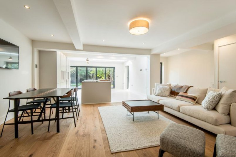 Apartment for sale in St Johns Wood - RANDOLPH AVENUE, LONDON, W9 1DJ