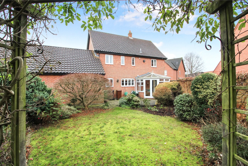 House for sale in Poringland - Blackthorn Way, Poringland, Norwich, NR14