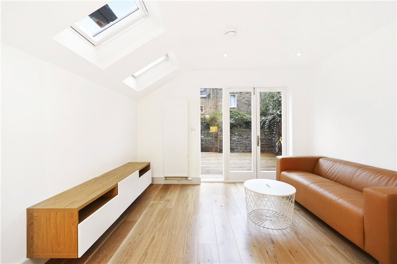 Flat/apartment to rent in Shepherds Bush & Acton - St Stephens Avenue, London, W12
