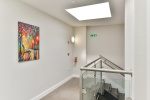 Large apartment in centre of Dorking  6