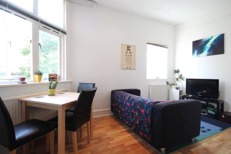 Flat/apartment to rent in Kentish Town - Pakeman Street, London, N7