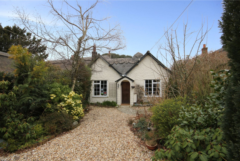 Cottage for sale in Highcliffe - Chewton Common Road, Highcliffe, Christchurch, BH23
