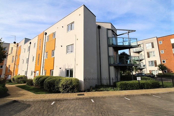Flat/apartment to rent in Basingstoke - John Hunt Drive, Basingstoke, RG24