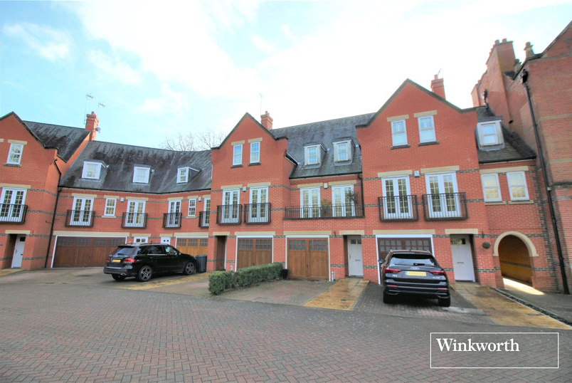 House to rent in Borehamwood & Elstree - Boyes Crescent, London Colney, St. Albans, AL2