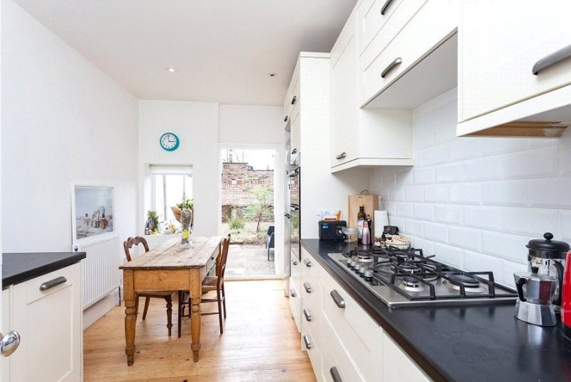 House to rent in Kentish Town - Mulkern Road, London, N19