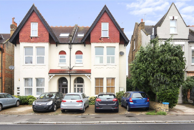 Maisonette for sale in Ealing & Acton - Warwick Road, London, W5