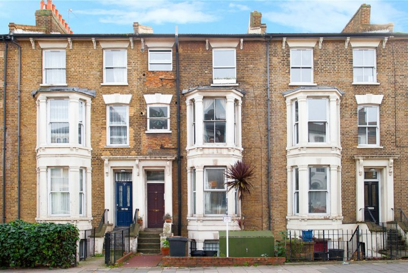 Flat/apartment to rent in Hackney - Graham Road, London, E8