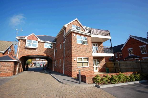 Flat/apartment to rent in Reading - Crichton Court, West End Road, Mortimer Common, RG7