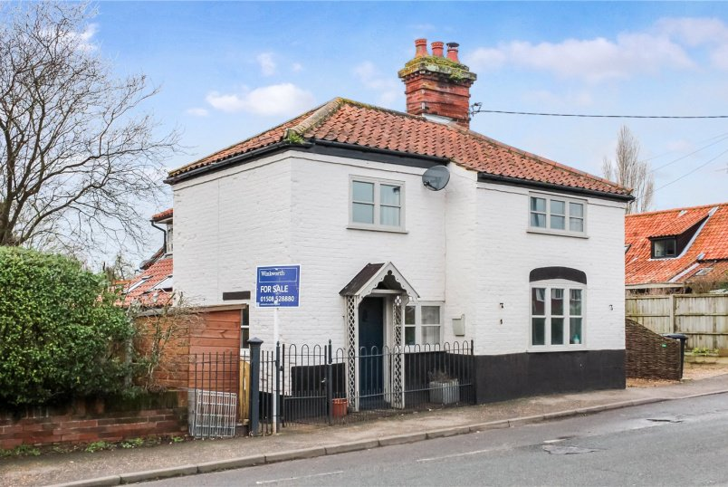 House for sale in Poringland - Norwich Road, Brooke, Norwich, NR15