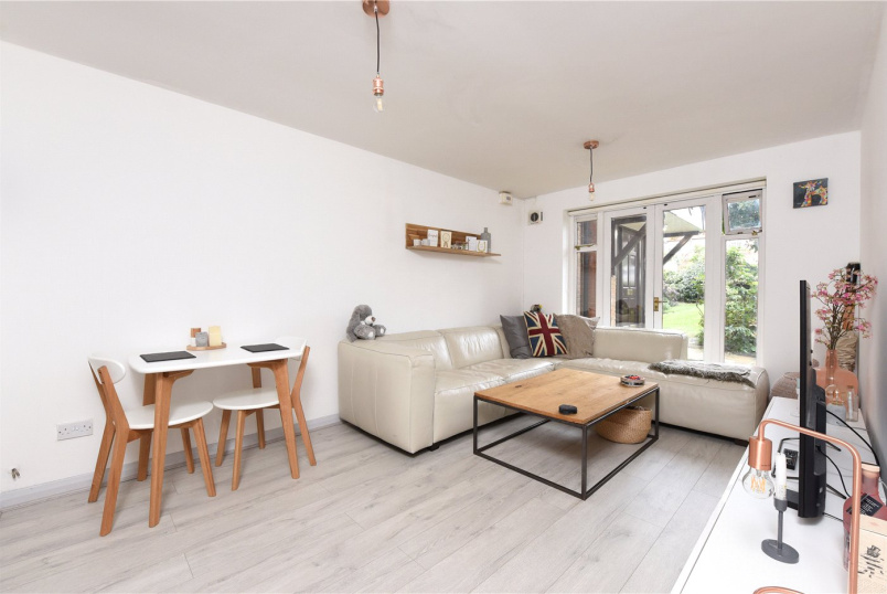 Flat/apartment for sale in Southfields - Parkview Court, 15 Broomhill Road, London, SW18