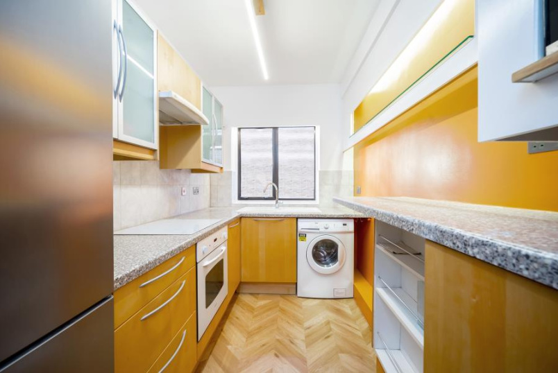 Flat to rent in St Johns Wood - DANES COURT, ST EDMUNDS TERRACE, NW8 7QR