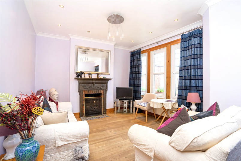 Flat/apartment for sale in Crouch End - Oakley Gardens, London, N8