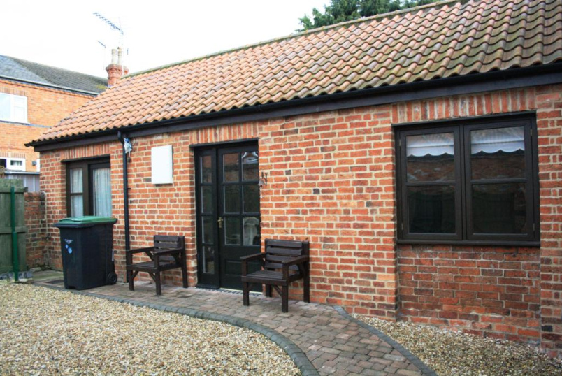 Bungalow to rent in  - Westgate, Sleaford, Lincolnshire, NG34