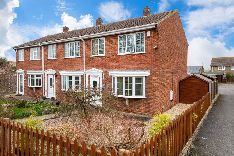 House for sale in Sleaford - Joel Square, Cranwell Village, Sleaford, NG34