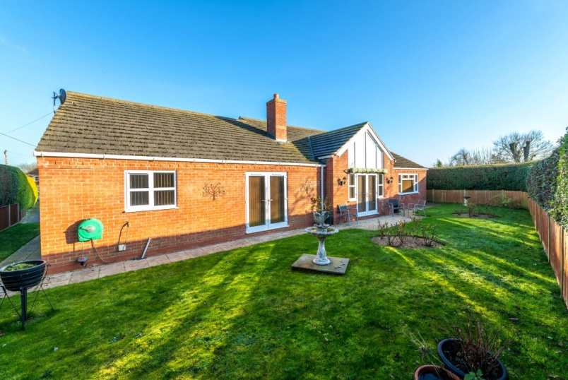 Bungalow for sale in Grantham - Low Road, Barrowby, Grantham, NG32