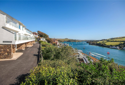 Beacon Court, Cliff Road, Salcombe, TQ8