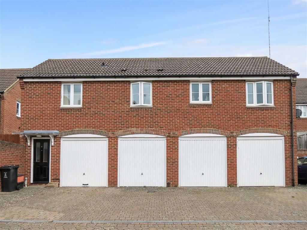 2 Bedroom Property For Sale In Dussek Place Swindon Wiltshire 165 000