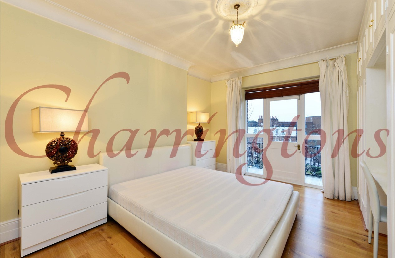 Three Bedroom Flat | For Sale | Ashburnham Mansions | Ashburnham Road | Chelsea | SW10 Image 4