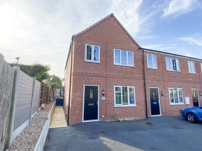 Lime Tree Crescent, New Rossington, DONCASTER, DN11