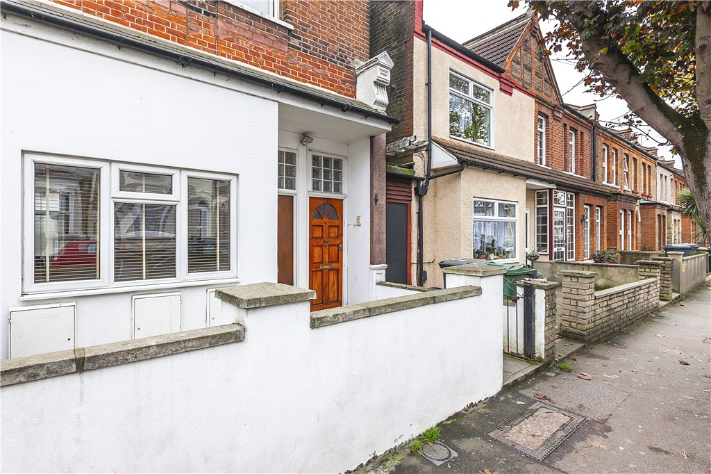 Coppermill Lane, Walthamstow, London, E17 Image 14