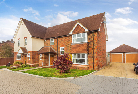 Gainsford Place, Oxted, RH8