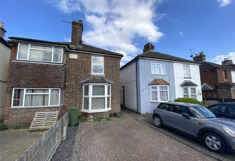 Albert Road, Horley, RH6