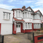 Wentworth Gardens, Palmers Green, N13