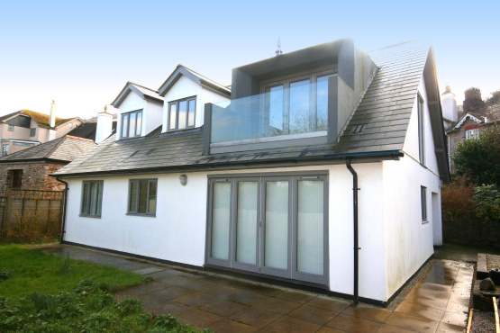 Contemporary living in Dittisham