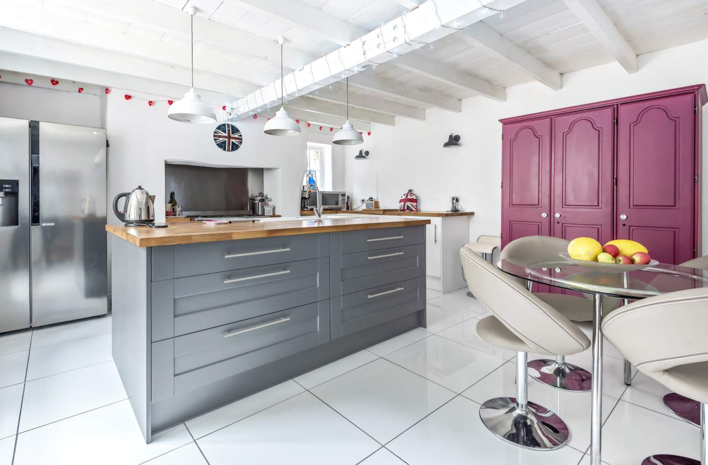 Homes for cooks: six beautiful kitchens - Stags